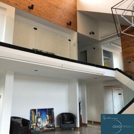 Escaliers et panneaux muraux