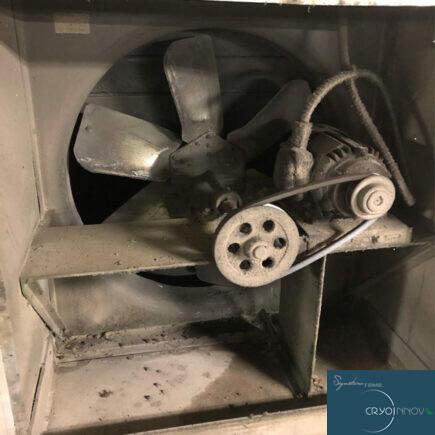 Nettoyage de ventilation d'usine (avant)